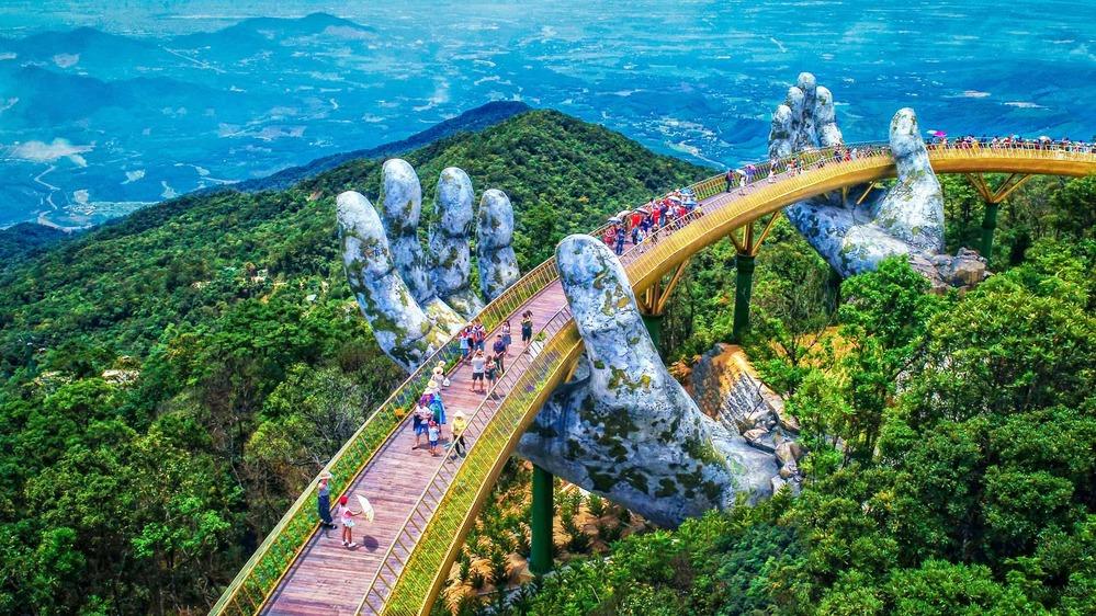 Với cảnh quan đẹp, hệ thống khách sạn 5 sao phong phú và giao thông thuận lợi, Đà Nẵng là điểm đến ưa thích được nhiều người lựa chọn (Ảnh minh họa)