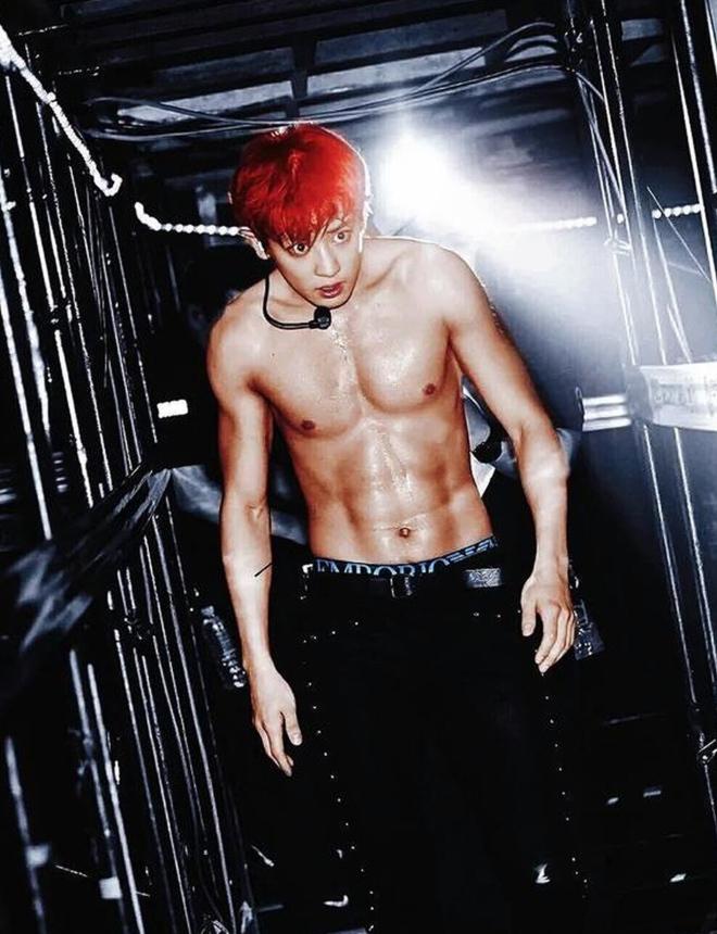 Chanyeol (EXO) chia sẻ bí kíp có body 6 múi khiến fan K-Pop