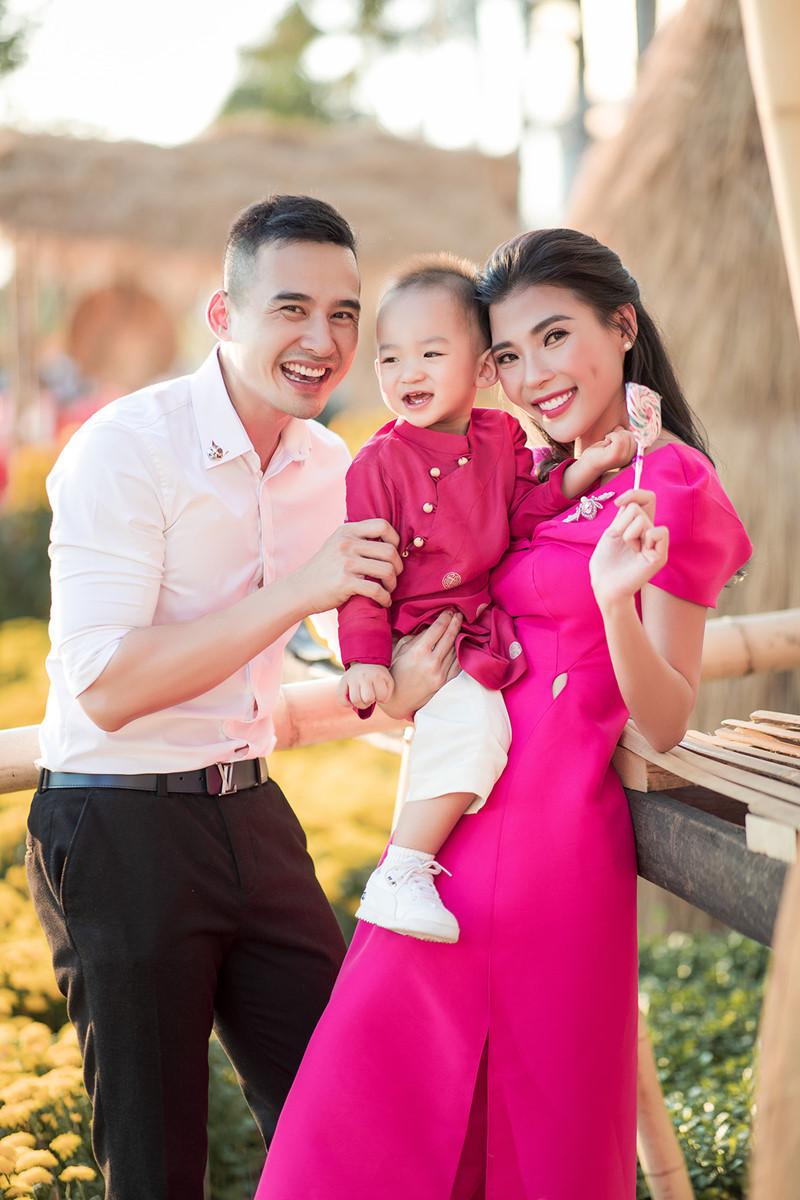 Tổ ấm hạnh phúc của Lương Thế Thành trong dịp đón Xuân 2020. - Tin sao Viet - Tin tuc sao Viet - Scandal sao Viet - Tin tuc cua Sao - Tin cua Sao