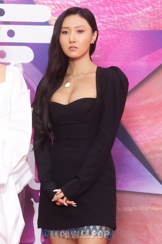 Hwasa tại Seoul Music Awards.