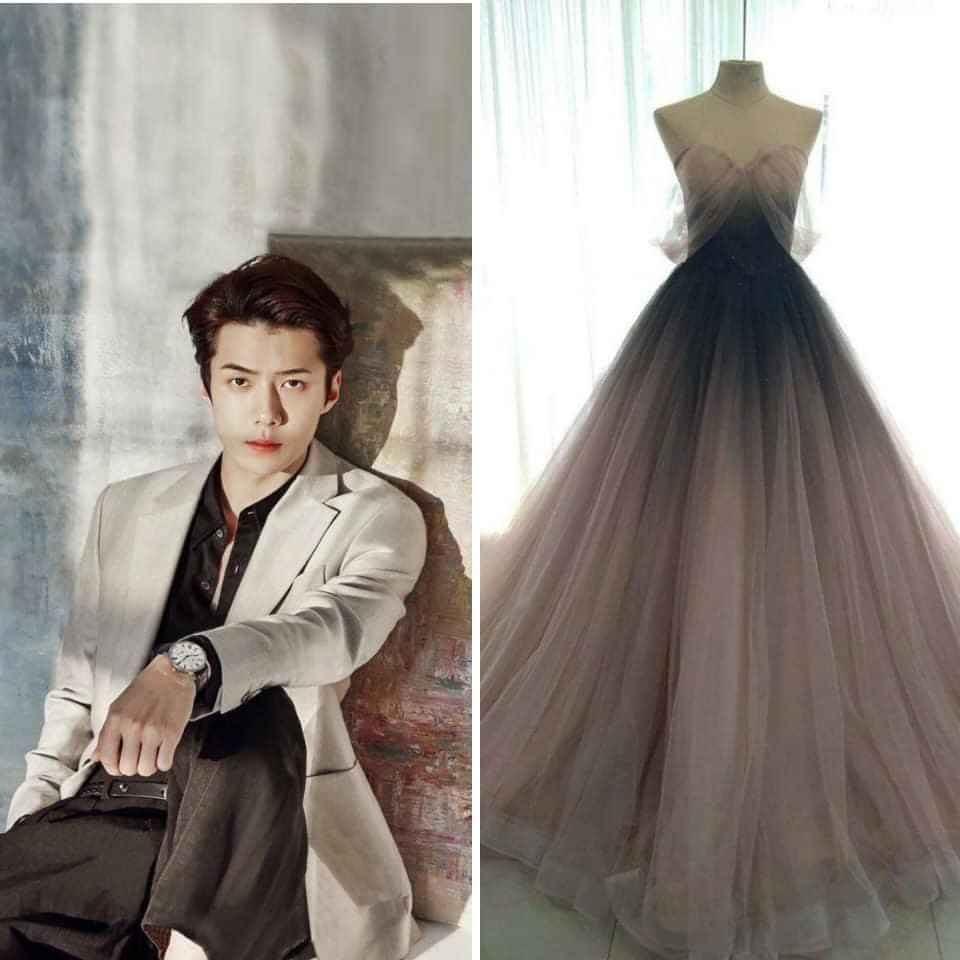 Váy cưới theo phong cách màu ombre chuyển hóa giữa đen đậm đến nhạt thích hợp khi fan girl đứng cạnh Sehun trong bộ vest này của anh chàng - Ảnh: Touch The Wind - SEVF.