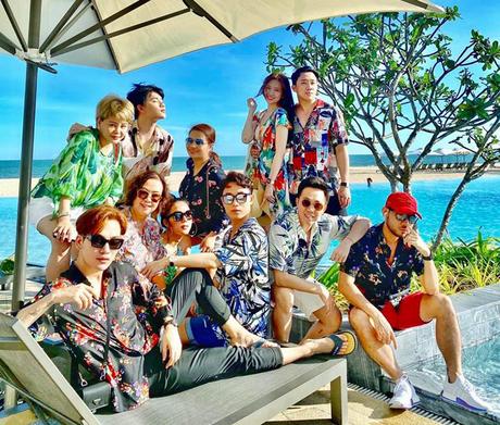 Cả hội đi du lịch mừng sinh nhật Hari Won. (Ảnh: FBNV)