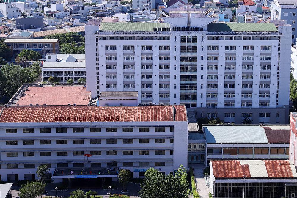 Bệnh viện C Đà Nẵng nơi có người bệnh nhiễm Covid-19 đến khám bệnh. (Ảnh: VnExpress)