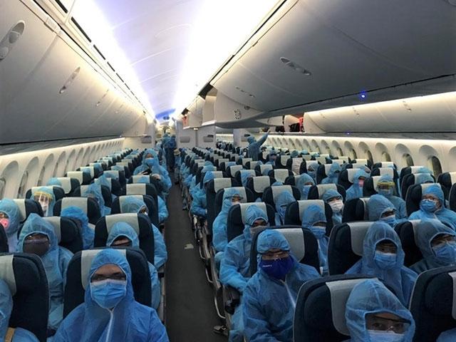 Chuyến bay đón công dân Việt Nam về nước. (Ảnh: Nhân Dân)