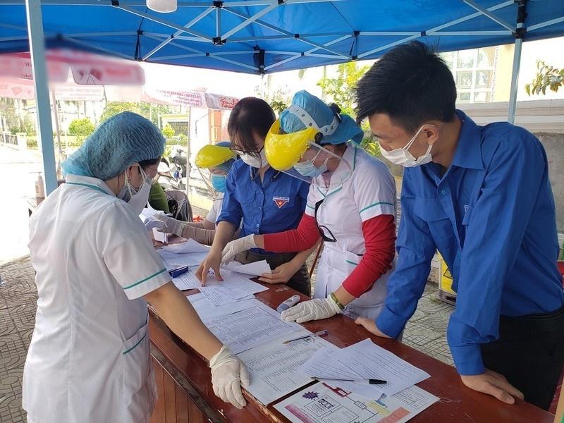 Chỉ sau 24 giờ phát động, đông đảo thanh niên tình nguyện đăng ký tham gia công tác chống dịch tại Đà Nẵng. (Ảnh: PLO)