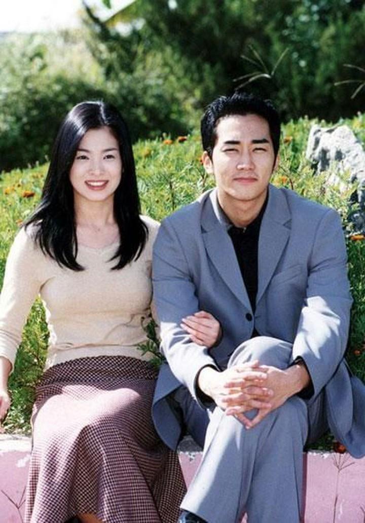 Bộ phim đóng cặp cùngSong Seung Hun đã góp phần nâng bước thành công cho Song Hye Kyo sau này (Ảnh Naver)