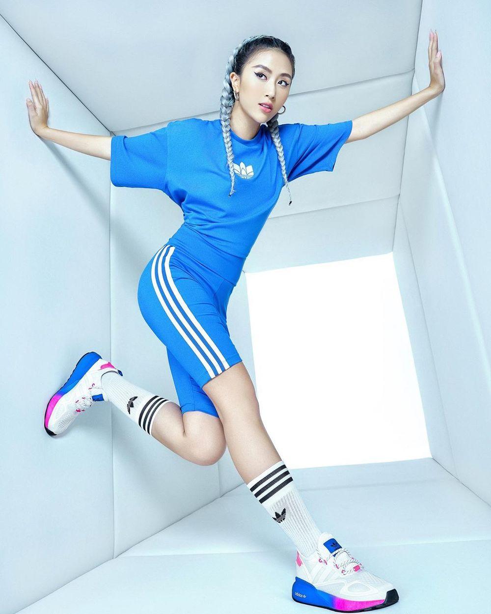 """Quỳnh Anh Shyn luôn thay đổi hình ảnh của bản thân, màu tóc xanh xám của cô đang trở thành """"trend"""" mới của giới trẻ. (Ảnh: Instagram nhân vật)"""
