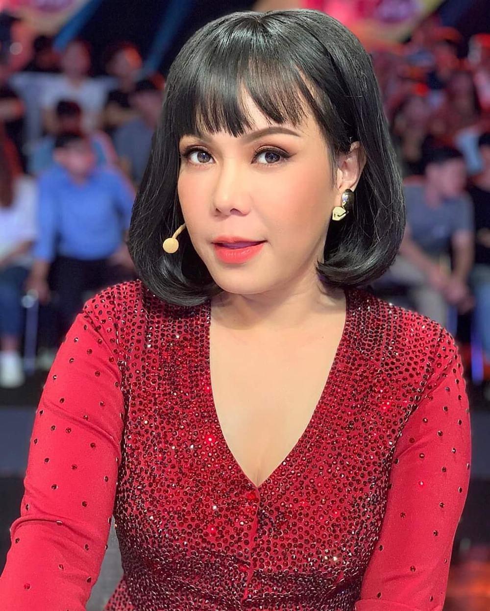 Việt Hương nở mặt khi fan có thành tích tốt. (Ảnh: FBNV)