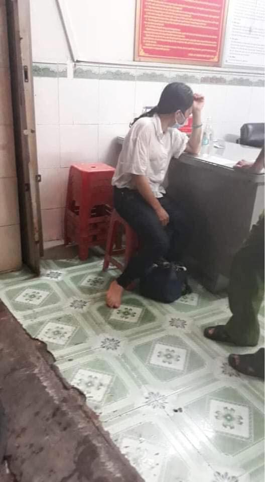 Người phụ nữ được cho là có suy nghĩ dại dột được đưa đến công an phường ngay sau đó. (Ảnh: Người Biên Hòa)
