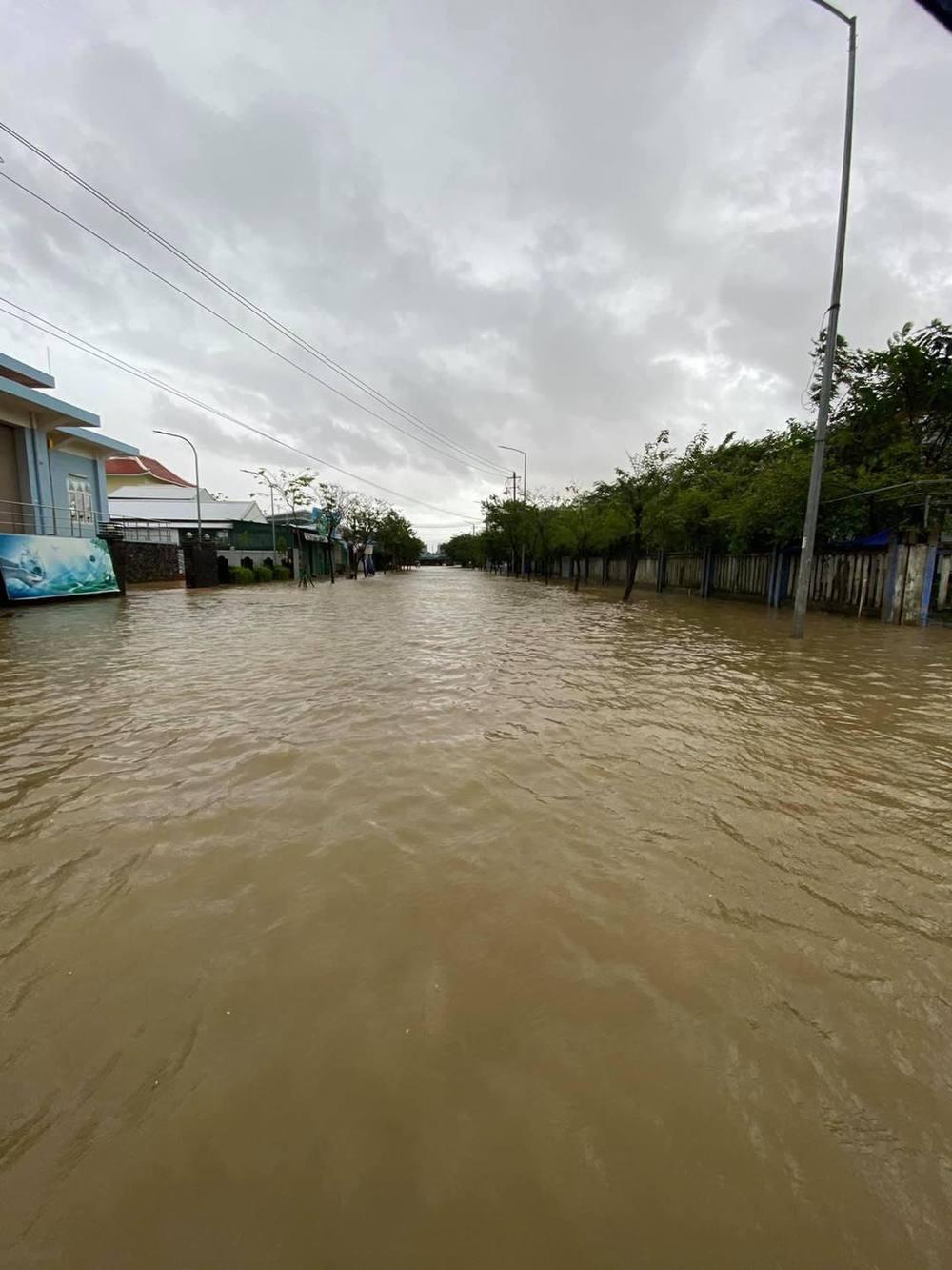 Nước ngập lênh láng tại một khu vực. (Ảnh: FB: Đà Nẵng).