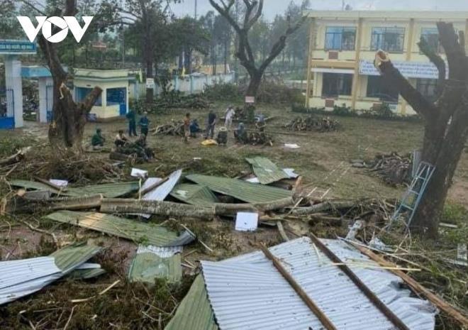 Trường Tiểu học Hành Thiện, huyện Nghĩa Hành tan hoang sau bão số 9. (Ảnh: VOV)