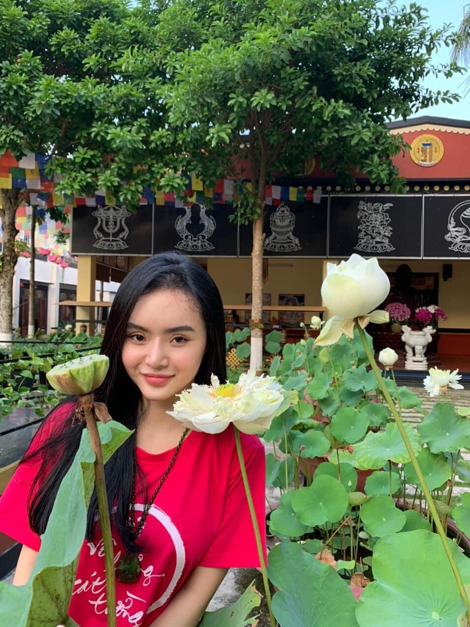 Lối sống lành mạnh, nhan sắc nhẹ nhàng của Phương Trang hiện tại khiến nhiều người ngưỡng mộ. (Ảnh: FBNV)