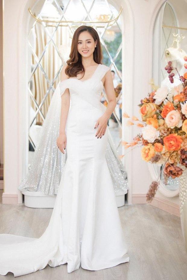 Ngọc Hà đi thử váy cưới để chuẩn bị cho dịp trọng đại. (Ảnh: FBNV)