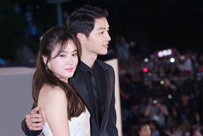 Cư dân mạng cho rằng Song Hye Kyo đang mỉa mai chồng cũ trong bài phỏng vấn (Ảnh: Naver)