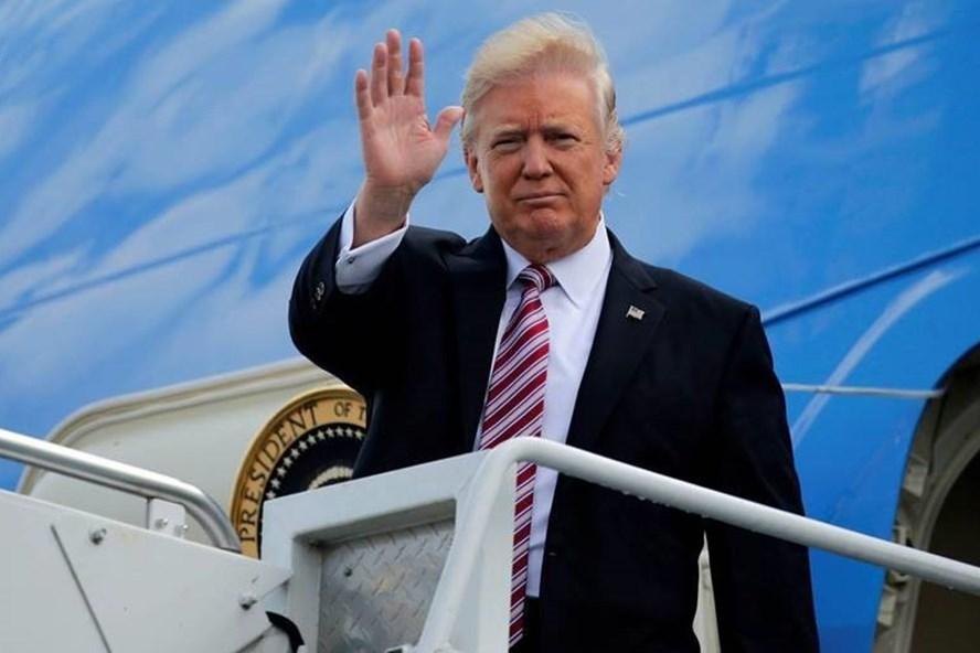 Tổng thống Mỹ Donald Trump trên chiếcAir Force One (Ảnh: Thanh niên)