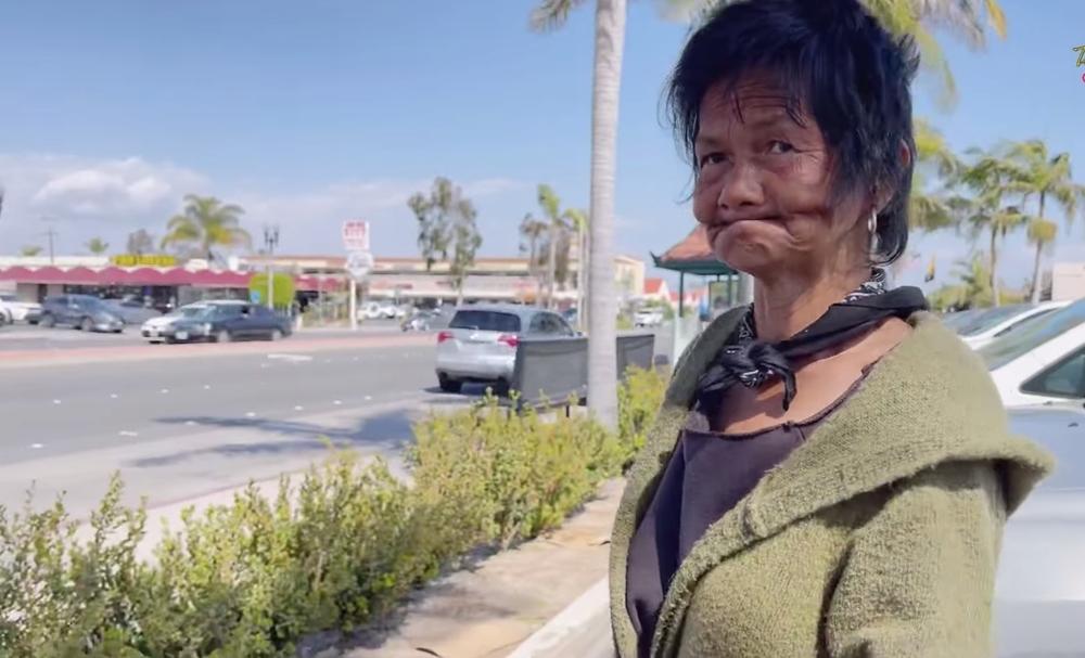 Thần kinh cô không ổn định là do gặp hoảng loạn sau một cuộc bạo động. (Ảnh: Chụp màn hình) - Tin sao Viet - Tin tuc sao Viet - Scandal sao Viet - Tin tuc cua Sao - Tin cua Sao