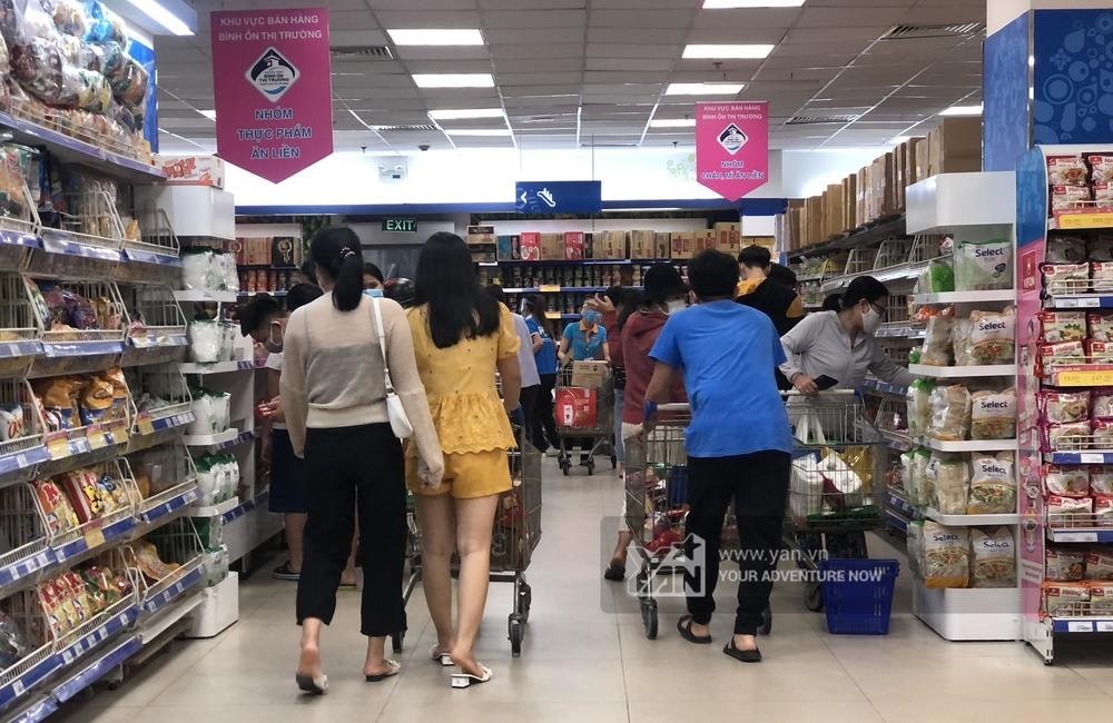 Hình ảnh được ghi nhận tại siêu thị trên đườngxa lộ Hà Nội.