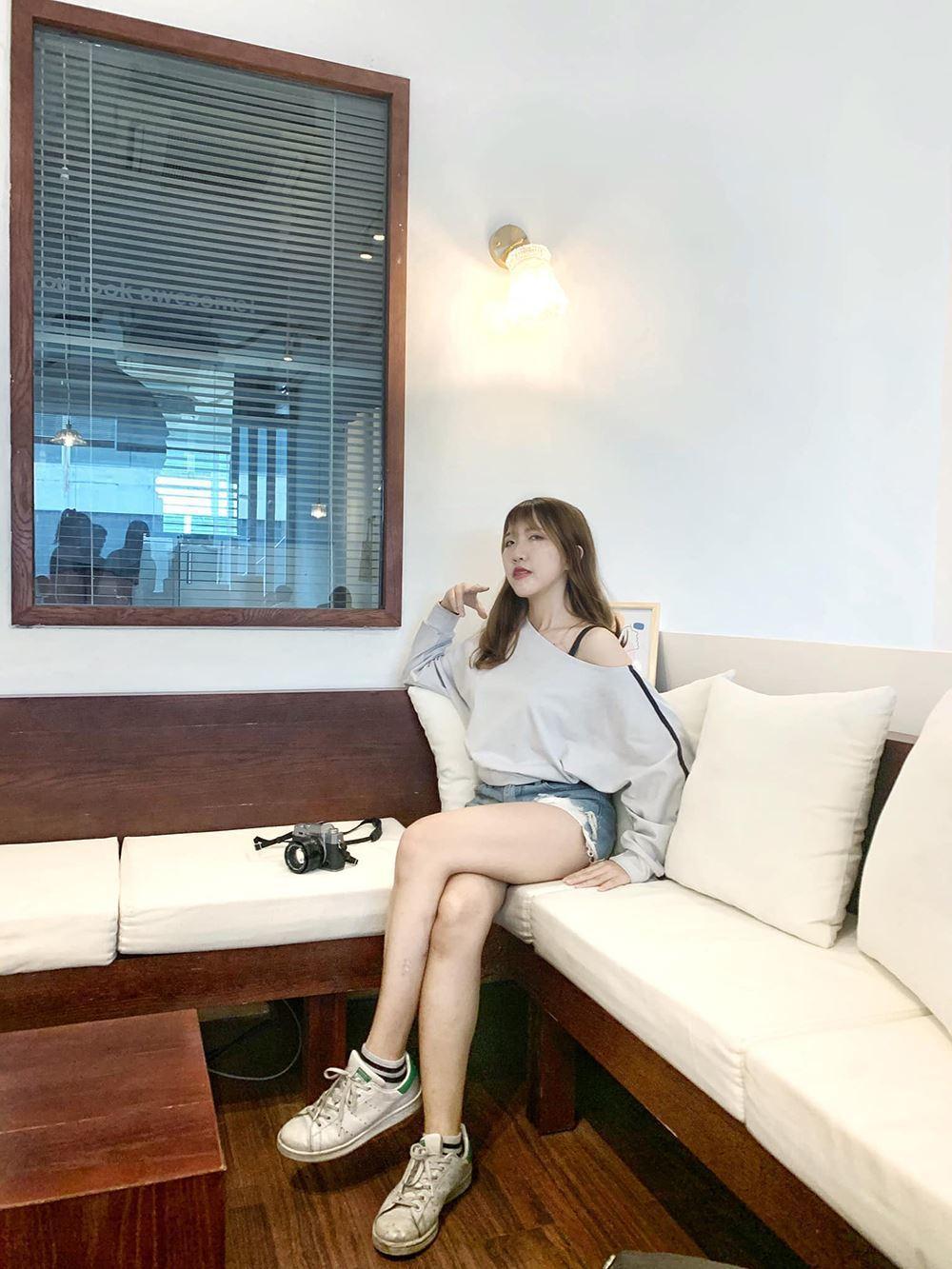 """Đoan Minh -cô nàng từng trải qua 12 mối tình đang gây """"bão"""" mạng xã hội. (Ảnh: FBNV)"""