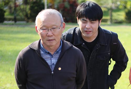 Ông Lee Dong-jun, người đại diện của HLV Park. (Ảnh:VnExpress)