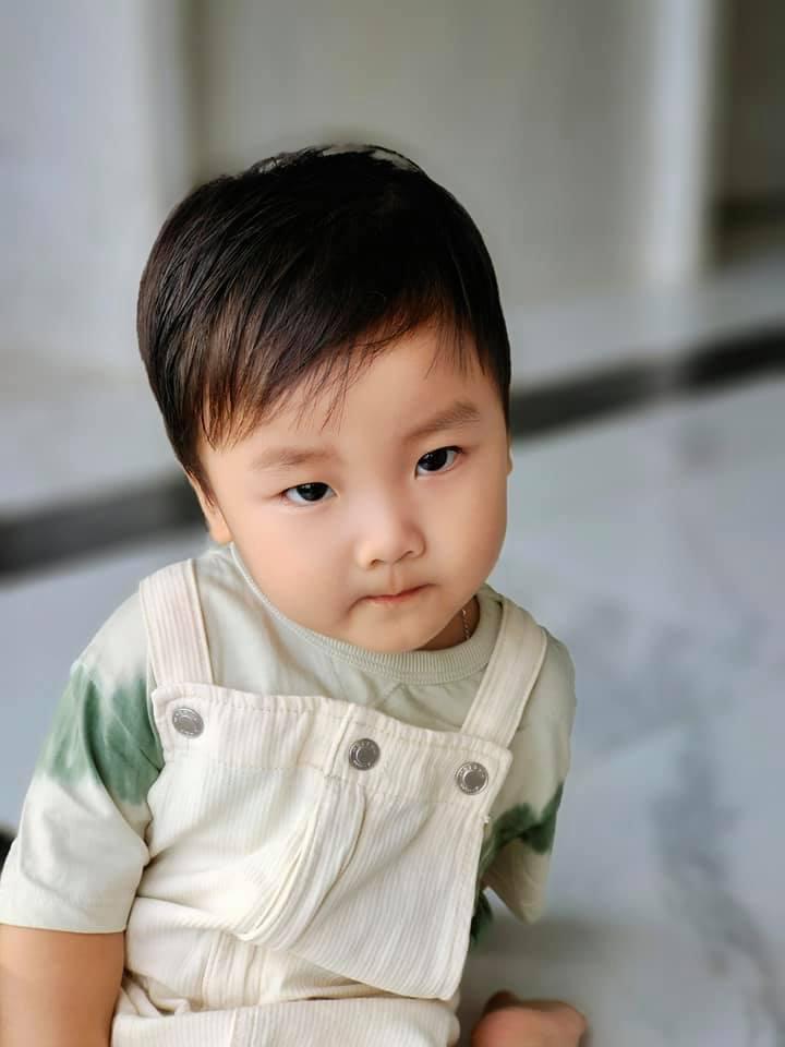 Cậu bé là niềm vui, hạnh phúc của ba mẹ trẻ. - Tin sao Viet - Tin tuc sao Viet - Scandal sao Viet - Tin tuc cua Sao - Tin cua Sao