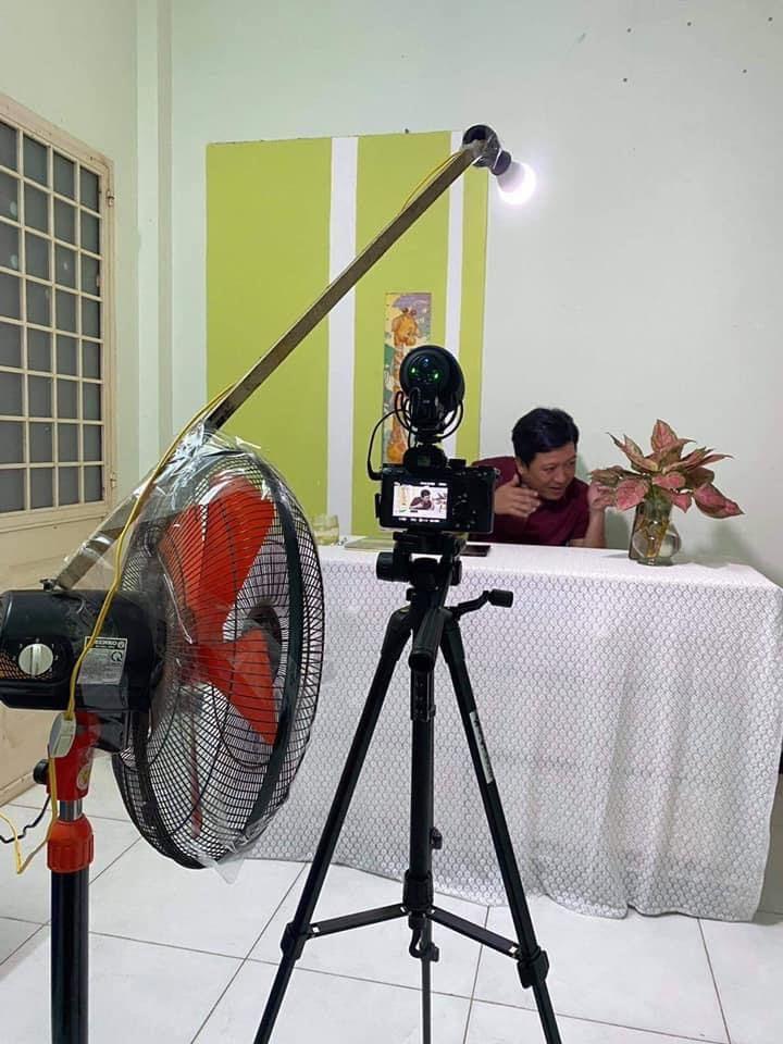 Hậu trường làm việc của ông xã Nhã Phương. (Ảnh: FBNV) - Tin sao Viet - Tin tuc sao Viet - Scandal sao Viet - Tin tuc cua Sao - Tin cua Sao