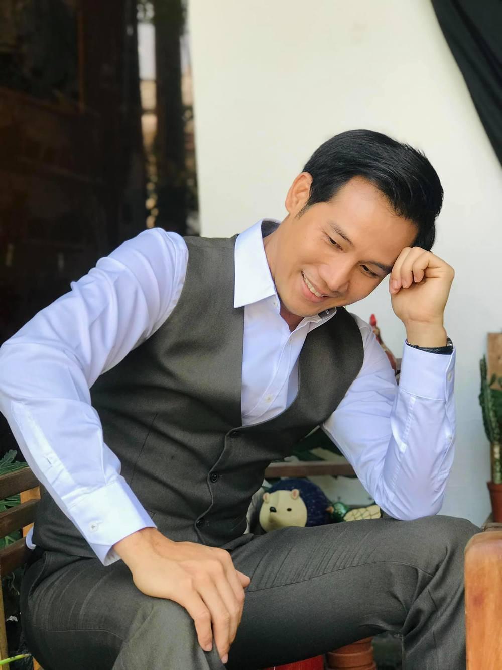 Nam diễn viên gốc Trà Vinh được đông đảo công chúng yêu mến nhờ sự tài tình, chân thực trong diễn xuất và lối sống. (Ảnh: FBNV) - Tin sao Viet - Tin tuc sao Viet - Scandal sao Viet - Tin tuc cua Sao - Tin cua Sao