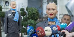 Robot Sophia giờ 'oách' lắm rồi: Được cấp visa như người và trò chuyện với Tổng thống