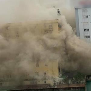 yan.vn - tin sao, ngôi sao - Tổ hợp khách sạn, karaoke lớn nhất thành Vinh cháy lớn: Nhân viên mắc kẹt gào thét kêu cứu
