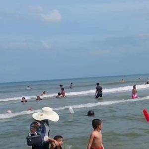 yan.vn - tin sao, ngôi sao - Nghỉ lễ rủ nhau đi tắm biển, hai học sinh đuối nước thương tâm