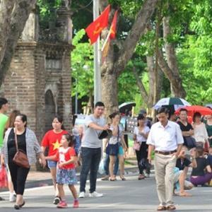 yan.vn - tin sao, ngôi sao - Phố đi bộ Hồ Gươm sẽ kéo dài thời gian hoạt động vào dịp nghỉ lễ 30/4