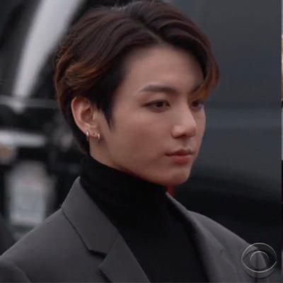 yan.vn - tin sao, ngôi sao - 'Trai đẹp thế giới' Jungkook gây sốt với visual tại Grammy 2020
