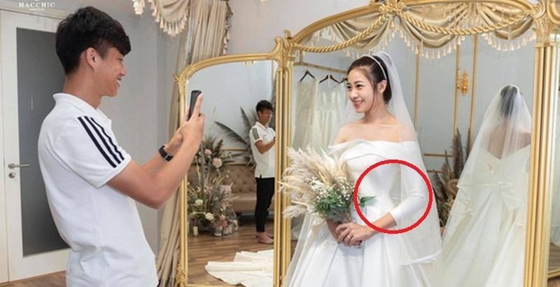 """Hết hóa khổng lồ, vợ Văn Đức bị soi điểm """"bất thường"""" khi đi thử váy"""