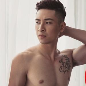 yan.vn - tin sao, ngôi sao - Xót xa cảnh người mẫu Hoàng Gia Anh Vũ bệnh nặng, đầu cạo trọc