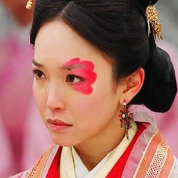 yan.vn - tin sao, ngôi sao - Vị Hoàng hậu kém sắc nhưng khí chất ngút ngàn, U40 vẫn kén chồng